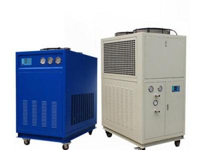 大型工业冷水机